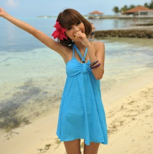 スカート式ビキニ 3点セット 女性の美しいシルエット
