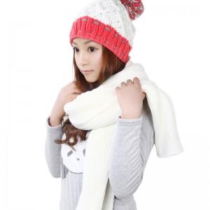 秋冬あったかカワイイホワイトレディース帽子マフラー2セット