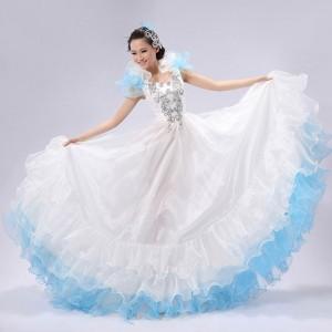舞台演出服 ダンス服 大きい裾 ワンピース 白+ブルー