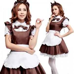 メイド服にワインレッドが可愛い衣装